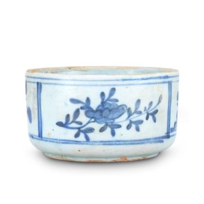 백자청화초화문발 白磁靑畵草花文鉢