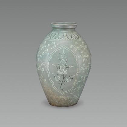 Celadon Flat Bottle with Inlaid Chrysanthemum and Crane Design